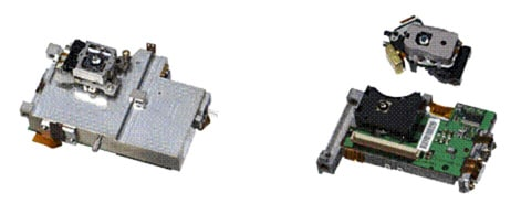 photo:Newly developed 3-wavelength recording/playback Optical Head,Conventional DVD/CD (above) and BD (below) Optical Head