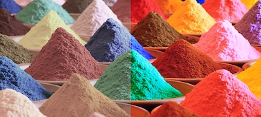 أكوام رمال متعددة الألوان زاهية تعرض نطاق ألوان Triluminos PRO