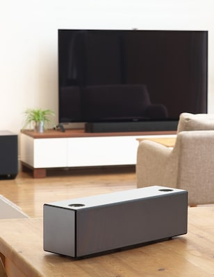 Soundbar and wireless speaker