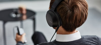 Ergonomic earpads