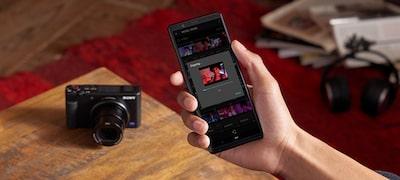 Aplikacji Imaging Edge Mobile do przesyłania filmów na smartfon