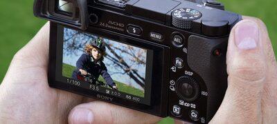 α6000 APS-C Sensörlü E mount'lı fotoğraf makinesi ürününün fotoğrafı