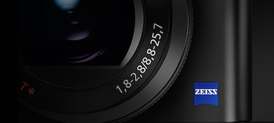 ZEISS® Vario-Sonnar T* lens for high depiction