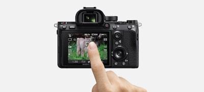 หน้าจอสัมผัส LCD เพื่อให้ใช้งานโฟกัสได้ง่าย