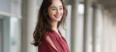 Funcția îmbunătățită de focalizare automată a ochilor (oamenilor) în timp vă permite să obțineți portrete mai reușite
