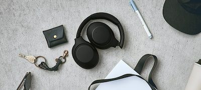Sleek, foldable design and long-listen comfort